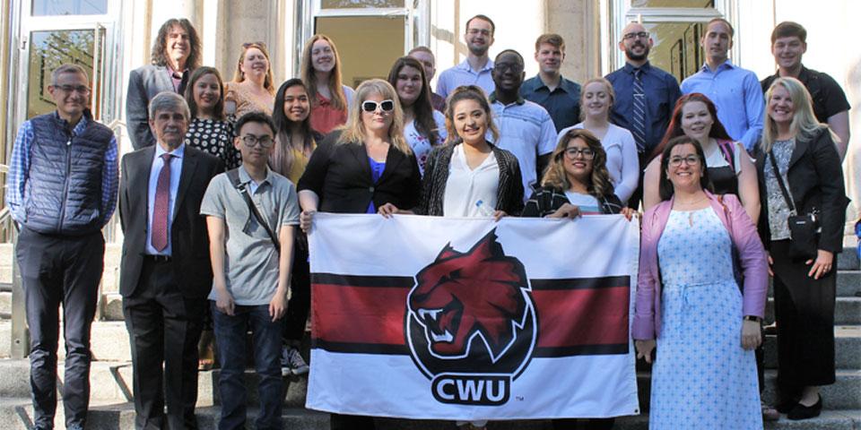 Alumnos de la Universidad Central de Washington mejoran en León sus conocimientos sobre ciberseguridad